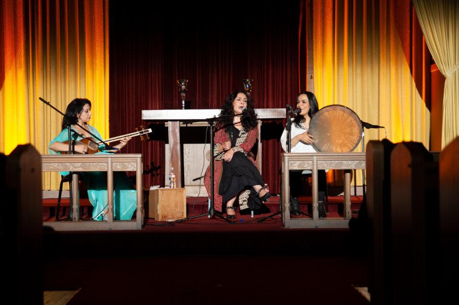 Mahsa and Marjan Vahdat, concert in San Francisco, 2015, phot. Magdalena Mądra